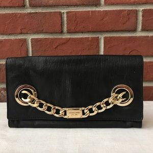 MICHAEL KORS LEATHER ENVELOPE CLUTCH GOLD CHAIN